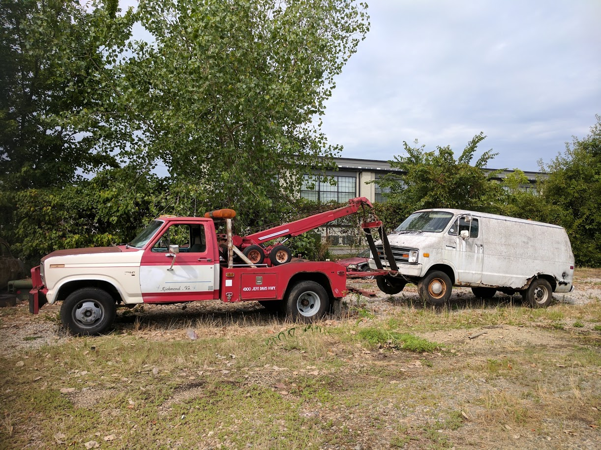 old frod wrecker with dodge tradesman